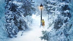 Narnia kertas dinding