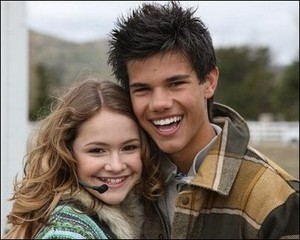 Nessie with Jacob renesmee carlie cullen 13166952 402 322