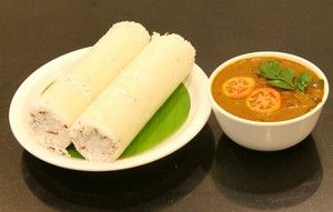 Puttu with kadala curry, de curry