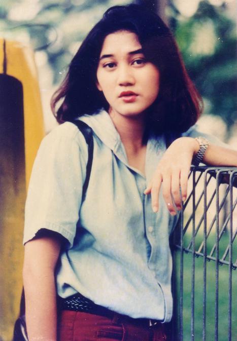 Raden Rara Nike Ratnadilla-Nike Ardilla (27 December 1975 – 19 March 1995)