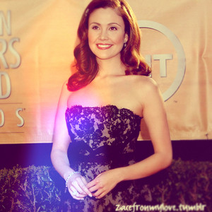 Reiko Aylesworth 24 Beautiful