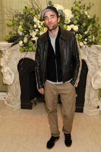 Robert Pattinson achtergrond called Robert