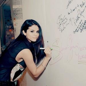 Selena Gomez fan art made oleh me - KanonKyu