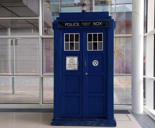 神秘博士 壁纸 titled TARDIS