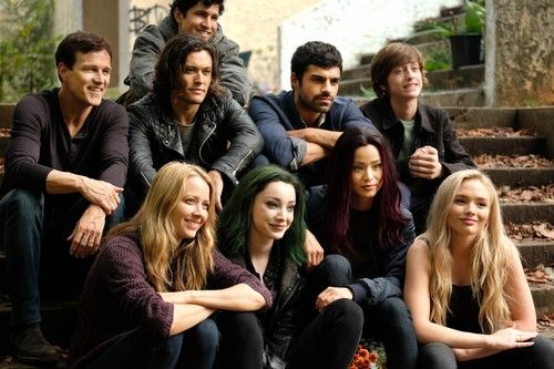 """The Gifted (TV Series) Обои called The Gifted """"3 X 1"""" (1x11) promotional picture"""