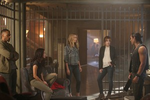 """The Gifted """"eXit strategy"""" (1x04) promotional picture"""