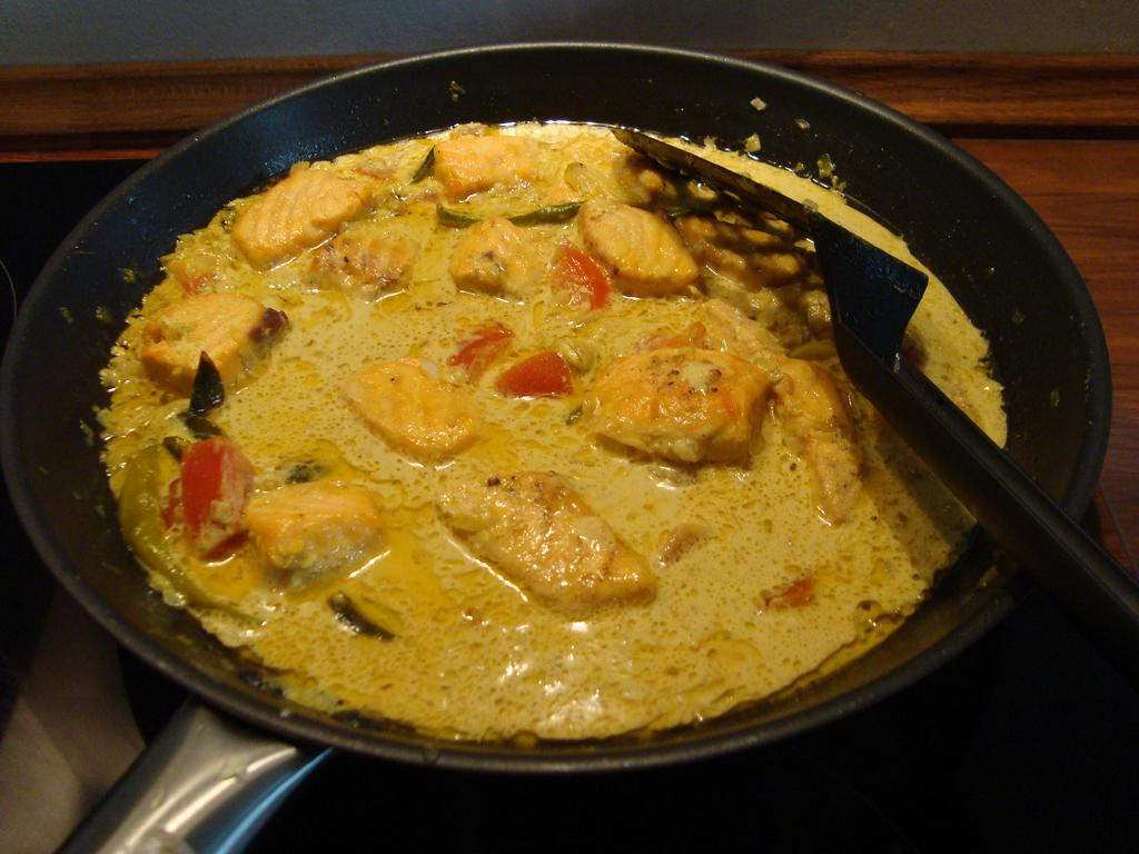 Image result for KERALA STYLE FISH MOLEE..