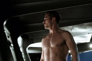 luke macfarlane shirtless-killjoys