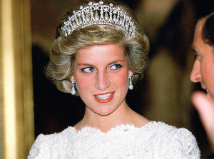 princess diana with tiara