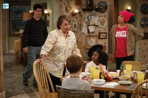 10x01 - Twenty Years to Life - DJ, Roseanne, Mark, Mary and Jackie
