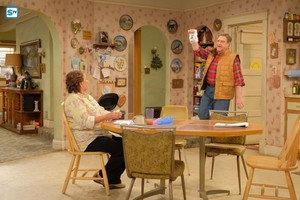 10x01 - Twenty Years to Life - Roseanne and Dan