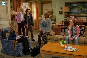 10x02 - Dress to Impress - Andrea, Becky, Darlene, Roseanne and Jackie