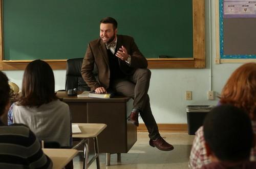 AP Bio wallpaper entitled 1x02 - Teacher Jail - Mr. Vining