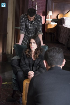"""4x15 - """"Nobody Else Is Dying"""" - Promotional 写真"""