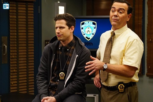 "Brooklyn Nine-Nine wolpeyper called 5x11 - ""The Favor"" - Promotional mga litrato"