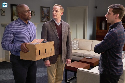 "Brooklyn Nine-Nine 壁紙 entitled 5x12 - ""Safe House"" - Promotional 写真"