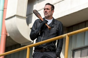 8x10 ~ The lost and the Plunderers ~ Negan