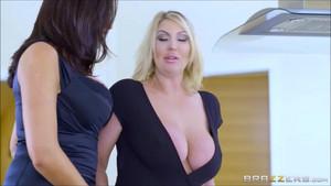 Ava x Leigh Lesbian Sex0360
