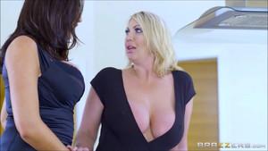 Ava x Leigh Lesbian Sex0373