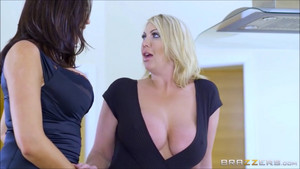 Ava x Leigh Lesbian Sex0375