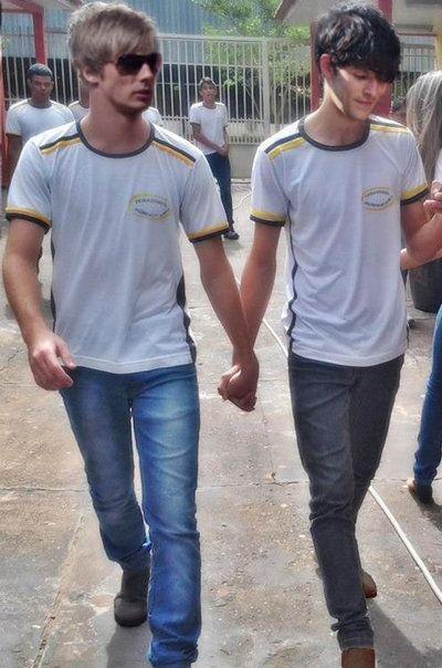 Bradley & Colin (Brolin) - Just 2 Lovebirds Holding Hands