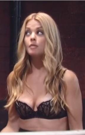 Claudette (Bree Williamson Roberts) in her black 레이스 bra on GH - 10/19/2016