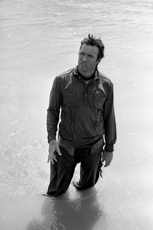 Clint photographed on the set of Hang 'Em High (1968)