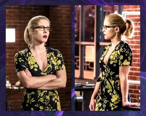 "Emily Bett Rickards front and side as Felicity Smoak, ऐरो Season 6, Episode 10 ""Divided"""