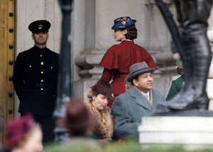 Emily Blunt on set Mary Poppins Returns 01 662x475