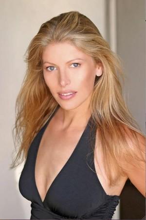 Erin Storm(1975-2016)