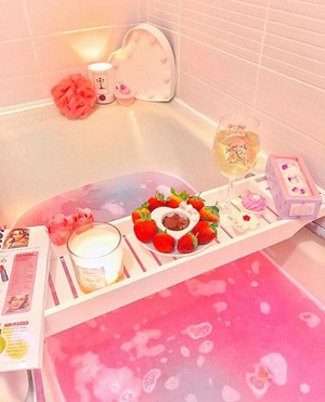 Girly Bathtime