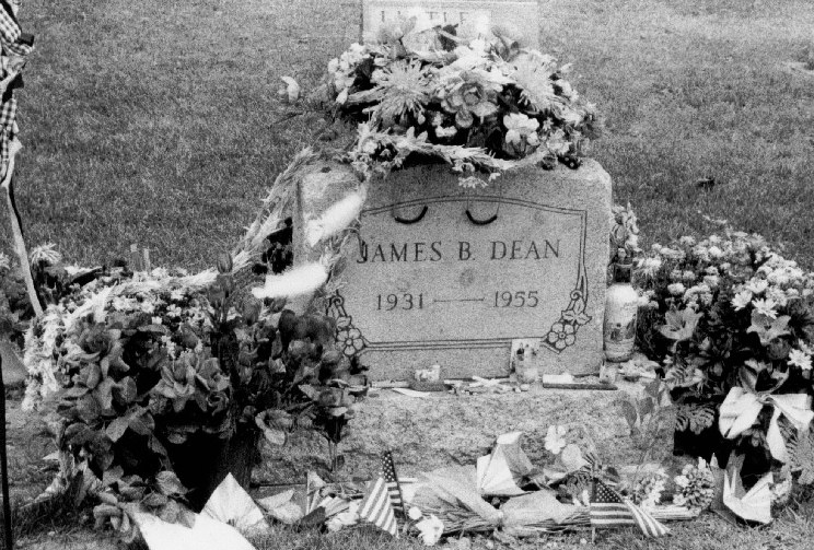 célébrités mortes jeunes images Gravesite Of James Dean HD fond d