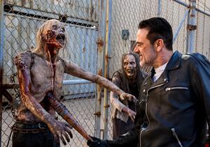 Jeffrey Dean morgan as Negan in 8x11 'Dead Or Alive Or'