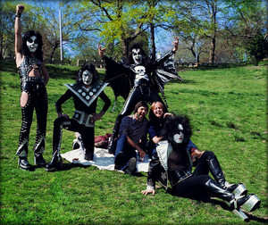 吻乐队(Kiss) (NYC) April 30, 1974 (Central Park)