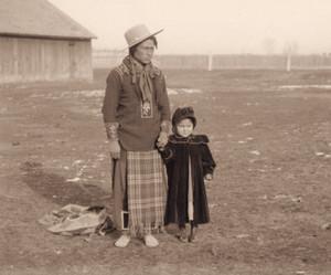 Kootenai Chief Eneas (Paul Charles) and Man-am-ee (Annie) sejak Edward H. Boos