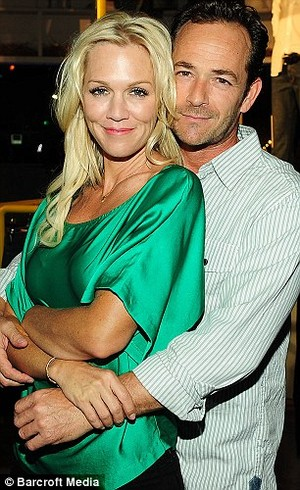 Luke Perry and Jennie Garth