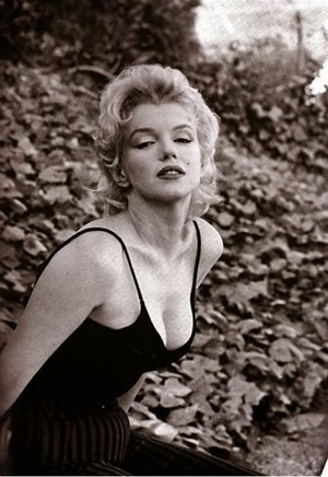 Marilyn Monroe-Norma Jeane Mortenson-baker ( June 1, 1926 – August 5, 1962)