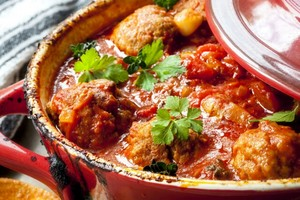 Meatballs in nyanya sauce