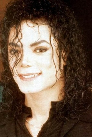 Michael is a yummy give in to me 21030333 390 577