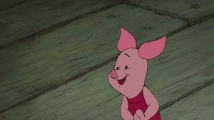 Piglet (Winnie The Pooh)