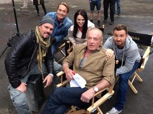 The Throwaways cast बी टी एस