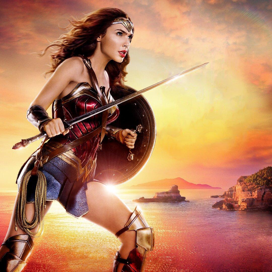 Gal Gadot Wonder Woman Desktop Wallpaper