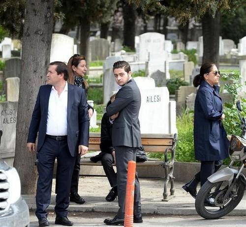 selebriti yang meninggal muda wallpaper titled mina başaran funeral