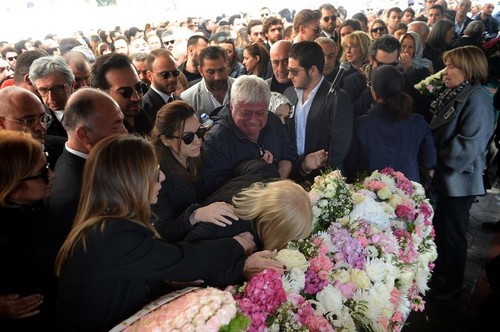 beroemdheden who died young achtergrond called mina başaran funeral