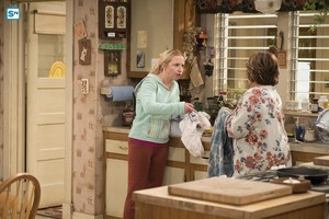 10x03 - Roseanne Gets the Chair - Becky and Roseanne