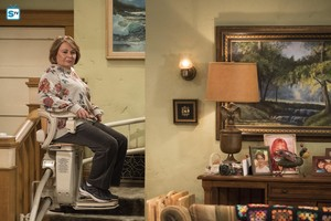10x03 - Roseanne Gets the Chair - Roseanne