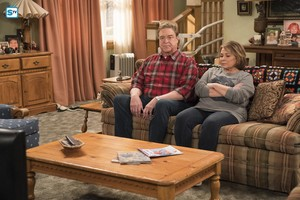 10x06 - No Country for Old Women - Dan and Roseanne