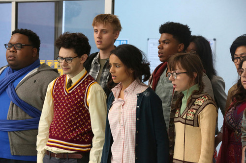 AP Bio wallpaper called 1x09 - Rosemary's Boyfriend - Anthony, Marcus, Devin, Sarika, Dan and Heather