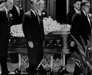 Marilyn Monroe's Funeral Back In 1962