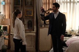 3x21 - Anything Pierce Can Do I Can Do Better - Chloe and Lucifer